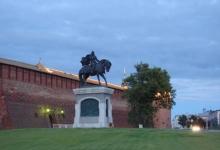 Памятник святому благоверному князю Дмитрию Донскому